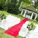 altana w ogrodzie w wystroju weselnym