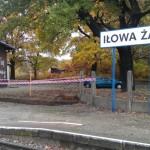 Przygotowanie fundamentów pod nową wiatę kolejową w Iłowej